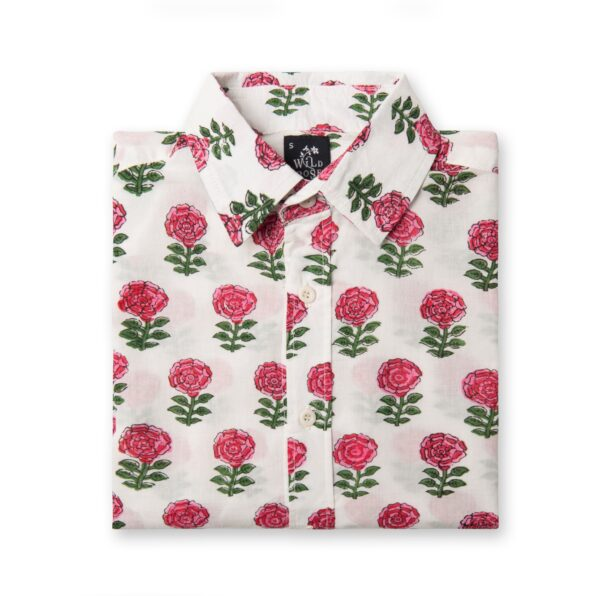 Folded Wild Rose Waridi shirt in white with red roses